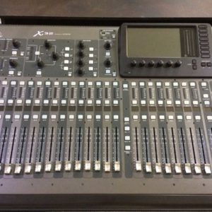X32 Mixer con Flightcase